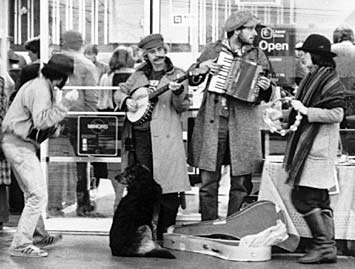 Stringband busking in 1982